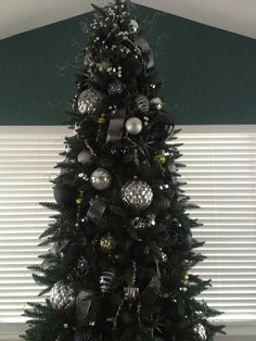 Exceptional Black, Silver And Green Christmas Tree!