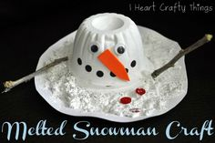 I came up with this fun melted snowman craft and I'm excited to share it with you! After giving it a trial run I know my kids are going to love making it! {This post contains affiliate links for your convenience. Read our Disclosure Policy here.} Supplies you will need: empty plastic fruit cup, washed and dried …