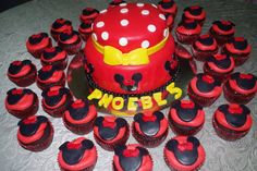 Minnie Mouse Cake & Cupcakes