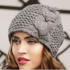 Crochet Hat Sizing, Crochet Hat With Brim, Bobble Crochet, Crochet Baby Bonnet, Crochet Baby Beanie, Crochet Bows, Knitted Hats, Diy Crafts Knitting, Diy Crafts Crochet