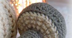 Een lief en klein paddestoeltje kwam uit mijn haakpen gerold.        Gehaakt uit 3 delen met Saskia Wibra wol en haakpen nr 4.  Het Engelse ... Winter Hats