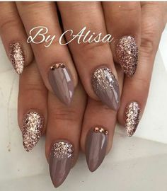 Stiletto Nails Brown Nails - New Ideas Shellac Nails Fall, Gray Nails, Brown Nails, Autumn Nails, Winter Nails, Polish Nails, Brown Acrylic Nails, Ongles Beiges, Gel Nagel Design
