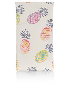 Keep your specs scratch-free with our pineapple-print soft case for sunglasses – perfect for holidays!