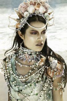 Siren's Treasure - OOAK Vintage Shell, Pearl, Lace, Crystal, Sea Glass and Bijou Statement Collar. Filles Alternatives, Mermaids Exist, Sea Costume, Sea Creature Costume, Mermaid Parade, Mermaid Crown, Mermaid Headpiece, Dark Mermaid, Mermaid Jewelry