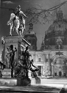 equestrian statue of Friedrich Wilhelm III on the western edge of the Lustgart . - Equestrian statue of Friedrich Wilhelm III on the western edge of the Lustgarten - Architecture Old, Classical Architecture, Historical Architecture, Berlin Spree, Berlin Photography, Frederick William, Equestrian Statue, Lost Art, Historical Pictures