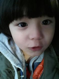 Leo daily~ He took this by himself :)