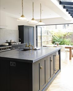 Browse photos of Small kitchen designs. Discover inspiration for your Small kitchen remodel or upgrade with ideas for organization, layout and decor. Devol Shaker Kitchen, Devol Kitchens, Home Kitchens, Home Decor Kitchen, Kitchen Living, Kitchen Interior, New Kitchen, Kitchen Island, Kitchen Extension With Island