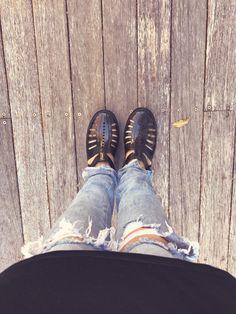 #allblack Dress plus jeans pants. #melissa @prioliveir4 instagram