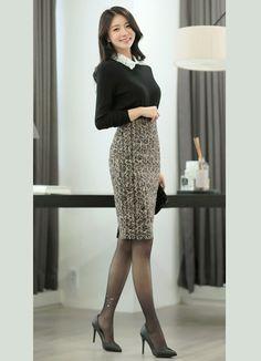 Korean Fashion – How to Dress up Korean Style – Designer Fashion Tips Korean Beauty, Asian Beauty, Good Looking Women, Fashion Tights, Cute Asian Girls, Beautiful Asian Women, Tight Dresses, Feminine Style, Classy Outfits