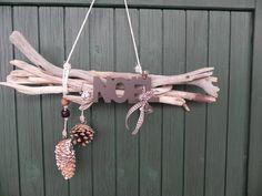 Suspension de porte en bois flotté Noel Christmas, Deco Table, Clothes Hanger, Ceiling Lights, Diy, Orange, Nouvel An, Branches, Home Decor