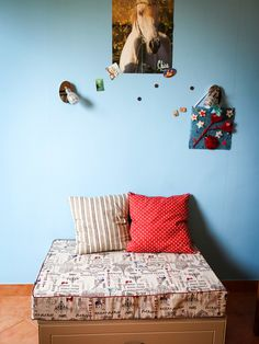 Small Contemporary Gender Neutral Teen Room Idea In Berkshire With Green Walls And Ceramic Floors Mdash Nbsp Small Contemporary Gender Neutral Teen Room Idea In Berkshire With Green Walls And Ceramic Floors Md