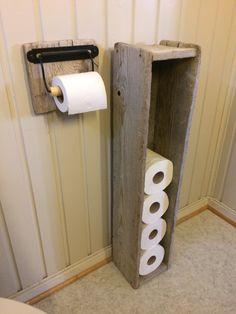Drivved/driftwood toiletpaper holder.