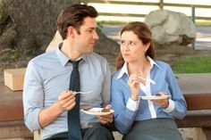 """TV's top couples: John Krasinski and Jenna Fischer in """"The Office. Flirting Quotes For Her, Flirting Tips For Girls, Flirting Memes, Cheating Quotes, Baby One More Time, Call Of Duty, Britney Spears, Couple In Love, Couple Goals"""