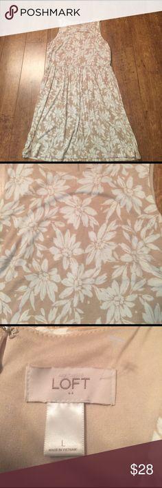 "LOFT tan/cream floral dress Lightweight dress with zipper in back. Approximate measurements armpit to armpit 20"", across waist 18 1/4""(has elastic stretch), shoulder to hem 38"" LOFT Dresses"