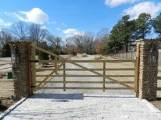 I want a gated driveway that would be so cool :D