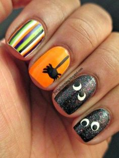 18 lustige und lustige Halloween Nägel, die dich komplett begeistern werden – Nageldesign & Nailart 18 funny and funny Halloween nails that will totally inspire you Holiday Nail Designs, Holiday Nail Art, Halloween Nail Designs, Nail Art Designs, Nails Design, Halloween Decorations, Fancy Nails, Love Nails, Pretty Nails