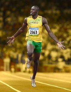 Fastest man on the track, probably the greatest male sprinter athlete of all time, Usain Bolt. Floyd Mayweather, Usain Bolt Pictures, Usain Bolt Running, Vive Le Sport, Motogp, Sport Nutrition, Sports Celebrities, Fastest Man, Sport Icon