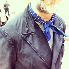 mrporter:    The sun's out here in London. And so are the neckerchiefs #londoncollections #attheshows (Taken with Instagram)      Unmistakably my old boss (Cuan Hanly)