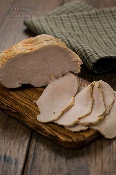 Schab 10 minutowy, czyli przepis na fantastyczną domową wędlinę. Rozpływające się w ustach mięso gotowane tylko 10 minut. Reszta to odpoczynek - i nasz, i mięsa :-) Snack Recipes, Healthy Recipes, Healthy Food, Kielbasa, Coleslaw, Food Porn, Food And Drink, Meat, Cooking