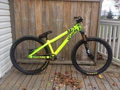 Sexiest Dj/Street/Park Bikes - Page 84 - Pinkbike Forum Mountain Bike Accessories, Cool Bike Accessories, Best Mountain Bikes, Mountain Biking, Dh Velo, Vtt Dirt, Cannondale Mountain Bikes, Hardtail Mtb, Montain Bike