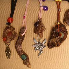 Natural wood pendants with semiprecious stones ... #etsyshop #EtsyGifts #theartofnahima