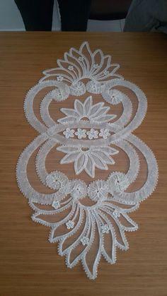 Coffee table set - Diy And Craft Crochet Tablecloth, Crochet Doilies, Crochet Flowers, Doily Patterns, Embroidery Patterns, Crochet Patterns, Burlap Flowers, Fabric Flowers, Diy Flowers