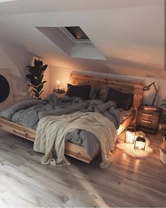 Home Interior Design This beautiful, cosy Scandinavian style bedroom. Home Interior Design This beautiful, cosy Scandinavian style bedroom. Dream Rooms, Dream Bedroom, Master Bedroom, Pretty Bedroom, Blue Bedroom, Warm Cozy Bedroom, Bedroom In Attic, Bedroom With Windows, Minamilist Bedroom