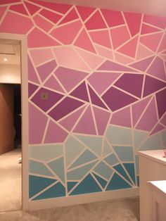 Wand Geometric Ombré Painted Wall Pink Purple Aqua Blue Paint Preventing Water Damage in the Kitchen Purple Bedroom Design, Bedroom Wall Designs, Purple Bedrooms, Ombre Painted Walls, Purple Wall Paint, Purple Walls, Geometric Wall Paint, Geometric Wallpaper, Diy Room Decor