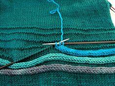 """Vielleicht: -Sun """"I-cord-Rundherum - DIY Stricken deko Crochet Motifs, Crochet Shawl, Knit Crochet, Knitting Designs, Knitting Stitches, Baby Knitting, Knitting Patterns, Crochet Patterns, Crochet Baby Beanie"""