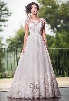 Smth that I totally ❤️ Lace Wedding, Wedding Dresses, Unique, Wedding Stuff, Choices, Fashion, Vestidos, Bride Dresses, Moda