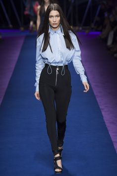 Versace Spring 2017 Ready-to-Wear Collection Photos - Vogue