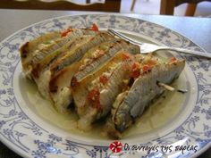 Γεμιστές σαρδέλες με τυρί και μυρωδικά. Greek Fish Recipe, Greek Recipes, Fish Recipes, Seafood Recipes, Greek Dishes, Fish Dishes, Cookbook Recipes, Cooking Recipes, Cypriot Food