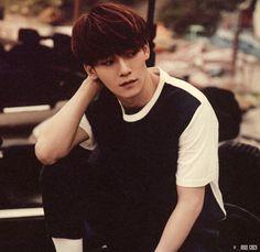 "Exo - Chen ""WOO look at his beautiful hair. Exo Chen, Exo Xiumin, Exo Korean, Korean Wave, Korean Idols, Tao, 5 Years With Exo, Exo 2014, Yoseob"