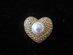 Jewelry that speaks of the Heart!  Heart Brooch @ Vintage Touch $5.00