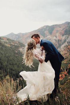 Popular Wedding Photo Ideas For Unforgettable Memories ❤ See more: http://www.weddingforward.com/popular-wedding-photo-ideas/ #weddings