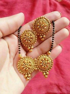 Asian & East Indian Jewelry Sets (Jewelry sets includes 3 pieces, 4 pieces, 8 pieces and 9 pieces Indian Jewelry sets. We are the dealers of Authentic and traditional Indian Jewelry (Fashion). Gold Mangalsutra Designs, Gold Earrings Designs, Gold Jewellery Design, Gold Jewelry, Gold Necklace, Gold Designs, Mangalsutra Simple, Pearl Jewelry, Pendant Jewelry