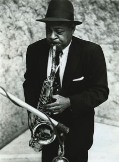 Find Coleman Hawkins bio, music, credits, awards, & streaming links on AllMusic - A jazz legend and the colossus of the tenor… Jazz Artists, Jazz Musicians, Coleman Hawkins, New York City, Musician Photography, Cool Jazz, All That Jazz, Jazz Guitar, Flamingo