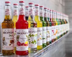 Top 5 des signes qui montrent que tu es du Berry ! Mojito, Berry Province, Monin Syrup, Espresso Drinks, Balanced Meals, Client Gifts, Bottle Packaging, Smoothie Recipes, Coffee Shop