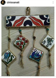 Hand Painted Dishes, Decoupage Art, Hanging Photos, Ceramic Jewelry, Pottery Studio, Sculpture Clay, Clay Projects, Islamic Art, African Art
