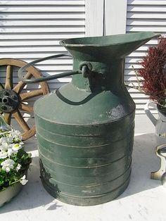 Vintage Aufbewahrung - verzinkte BP Kanne shabby chic Schirmständer - ein Designerstück von artdecoundso bei DaWanda