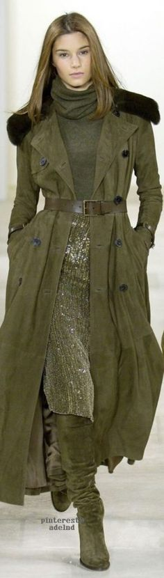 with my hot flashes, I'm not into anything heavy & / or layered but the colors are gorgeous! Ralph Lauren Fall 2006 Source by beevergrateful Green Fashion, High Fashion, Womens Fashion, Fashion Trends, Bcbg, Ralph Lauren Style, Moda Boho, Estilo Fashion, Sport Chic