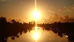 Good Morning Surfers Paradise.  #surfersparadiseaus #sunrise #sunriser #relaxing #reflection #spectacular #wouldyourather #wow_australia #worldclass_australia #ig_australia #icu_aussies #igersgoldcoast #i #verygc by fangfotos http://ift.tt/1PI0tin