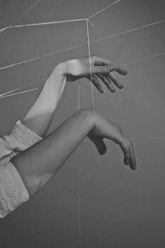 Michalina Woźniak Alluka Zoldyck, Hand Reference, Aragon, White Aesthetic, Black And White, Black Widow, Photoshoot, Poses, Shit Happens