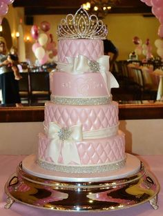 Dreamy pink princess cake #PiagetRose