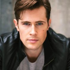 We have our Lord John Grey. Welcome to the clan @mrdavidberry! #Outlander