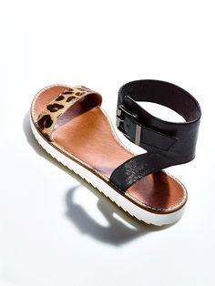 Accessorize your summer outfits with bold, brand name sandals for less. Go ahead, it's Marshalls.