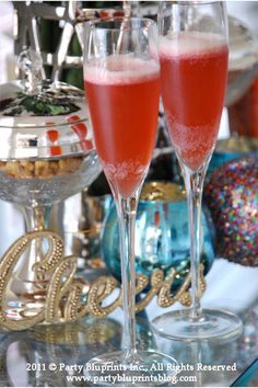 {Tipsy Christmas Cheer} Love this Merry Mocktail from @Party Bluprints Inc.