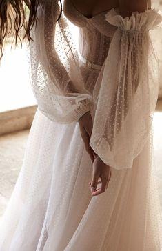 Karen Willis Holmes, Beautiful Wedding Gowns, Dream Wedding Dresses, Bridal Dresses, Prom Dresses, Bridal Outfits, Pretty Dresses, Beautiful Dresses, Dream Dress