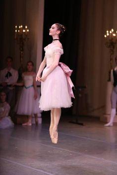 Alexandra Korshunova in Bournonville's Konservatoriet Photo © Svetlana Avvakum