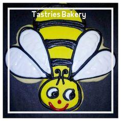 Buzzing Bee Designer Cookie from @Tastries Bakery